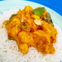 Cauliflower Cashew Curry